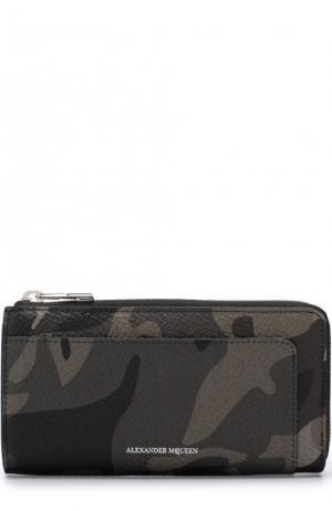 Кожаное портмоне Continental на молнии Alexander McQueen. Цвет: хаки