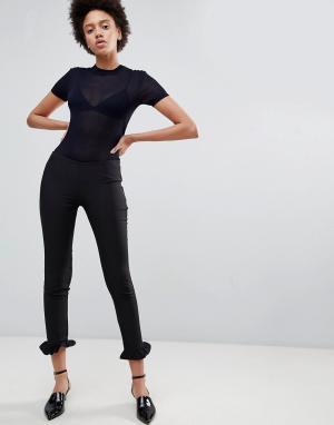 Unique 21 Строгие брюки с оборками Unique21. Цвет: черный