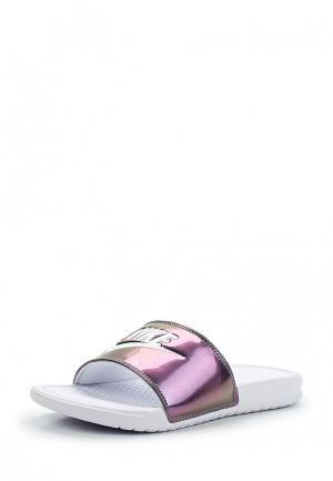 Сланцы Nike. Цвет: серебряный