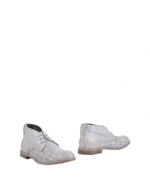 Полусапоги и высокие ботинки MOMA. Цвет: белый