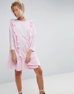 ASOS Хлопковое платье с присборенной юбкой и оборками. Цвет: розовый