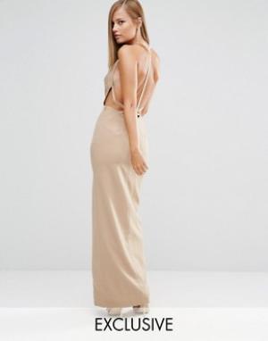 Fame and Partners Платье макси с отделкой искусственным жемчугом сзади. Цвет: бежевый