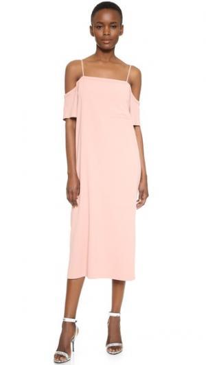 Платье из крепа с открытыми плечами T by Alexander Wang. Цвет: розовый