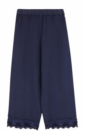 Укороченные льняные брюки с кружевной отделкой 120% Lino. Цвет: темно-синий