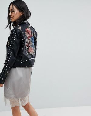 BLANK NYC Байкерская куртка с заклепками и вышивкой. Цвет: черный