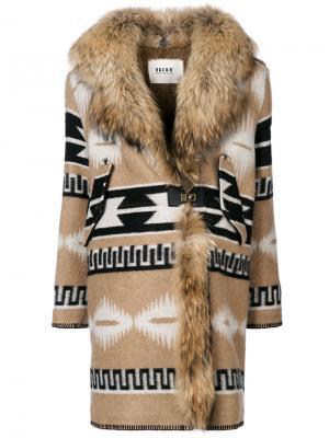 Пальто с принтом и воротником из искусственного меха Bazar Deluxe. Цвет: коричневый