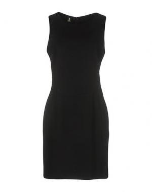 Короткое платье ONE. Цвет: черный