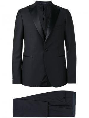 Formal suit Tagliatore. Цвет: синий