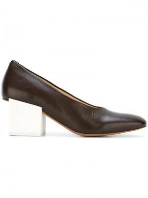 Туфли  Les Chaussures Arlequin Jacquemus. Цвет: коричневый
