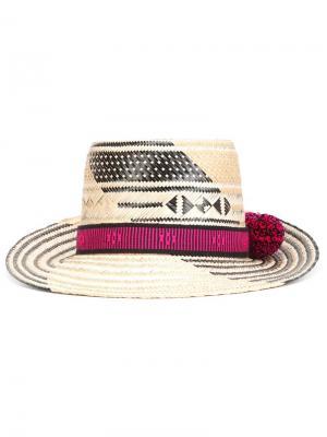 Шляпа с помпонами Yosuzi. Цвет: чёрный