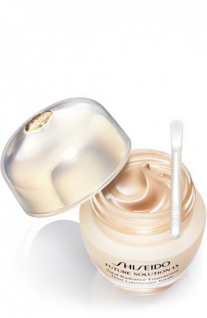 Тональное средство с эффектом сияния Solution LX B40 Shiseido. Цвет: бесцветный