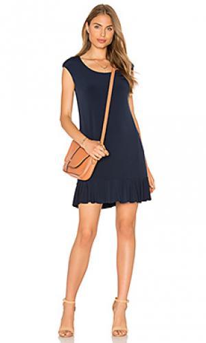 Мини платье с коротким рукавом и рюшами на подоле quinnell Velvet by Graham & Spencer. Цвет: синий