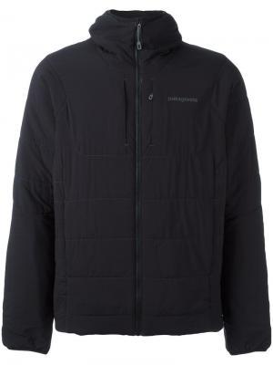 Куртка-пуховик с капюшоном Patagonia. Цвет: чёрный