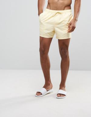 ASOS Светло-желтые короткие шорты для плавания. Цвет: желтый