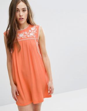 Little White Lies Платье с вышивкой Lee. Цвет: оранжевый