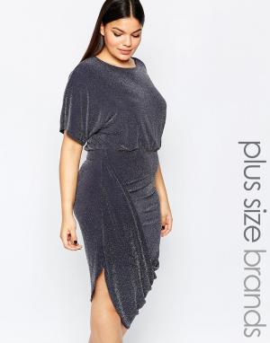 Club L Блестящее платье с запахом размера плюс и рюшами на юбке. Цвет: серый