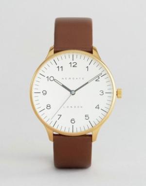 Newgate Часы с черным циферблатом и коричневым кожаным ремешком Blip. Цвет: коричневый