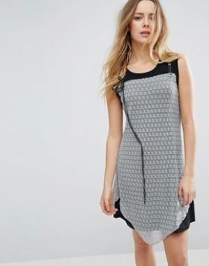 Jasmine Платье с кружевной накладкой. Цвет: черный