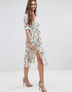 Darling Платье-рубашка с цветочным принтом и рукавами 3/4. Цвет: кремовый