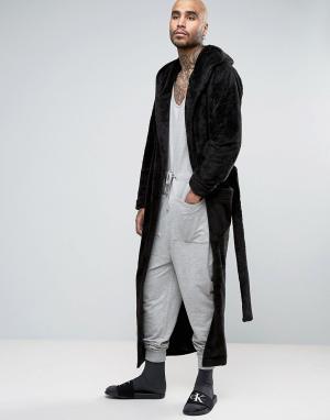 ASOS Длинный халат из флиса с капюшоном. Цвет: черный