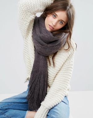Free People Вязаный шарф с начесом Kolby. Цвет: черный