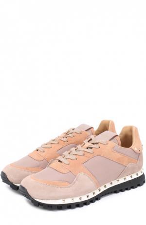 Комбинированные кроссовки Studded с заклепками Valentino. Цвет: бежевый