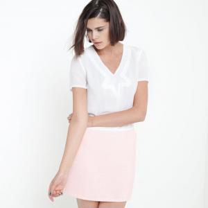 Платье из двух материалов с короткими рукавами COLOR BLOCK. Цвет: белый/ розовый,черный