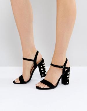 Public Desire Черные замшевые босоножки на каблуке с отделкой искусственным жемчугом. Цвет: черный