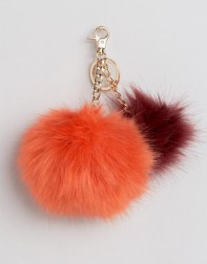 Urbancode Меховой брелок на сумку. Цвет: красный