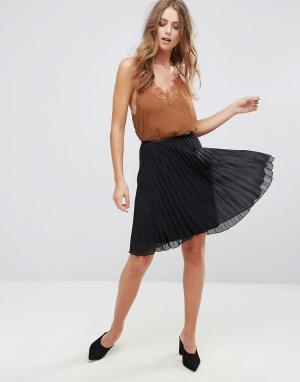Minimum Плиссированная юбка. Цвет: черный