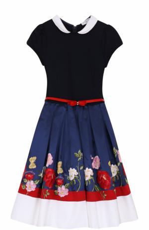 Комбинированное платье с вышивкой и контрастным поясом Monnalisa. Цвет: синий