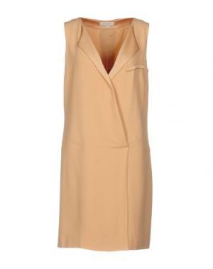 Короткое платье GOSSIP. Цвет: абрикосовый