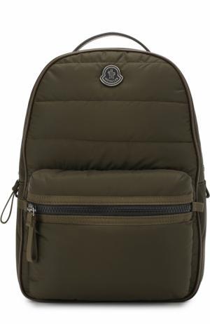 Рюкзак с логотипом бренда Moncler Enfant. Цвет: хаки