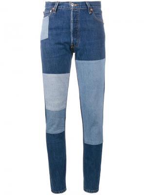 Узкие джинсы в стиле пэчворк Re/Done. Цвет: синий