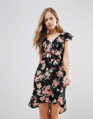 Oh My Love Платье с цветочным принтом и оборками. Цвет: мульти