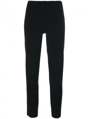 Укороченные строгие брюки Les Copains. Цвет: чёрный