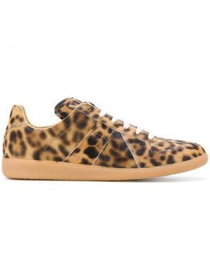Кроссовки с леопардовым принтом Maison Margiela. Цвет: коричневый