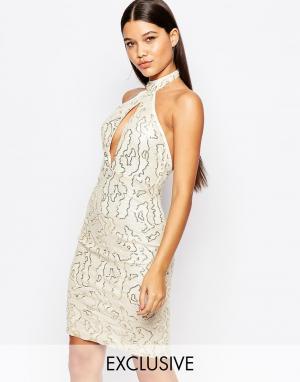 Club L Расшитое пайетками платье миди с высокой горловиной. Цвет: кремовый