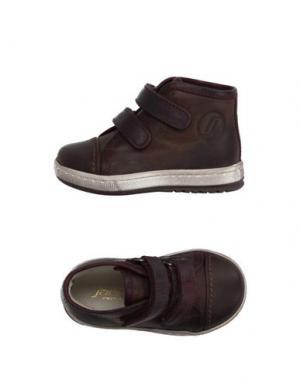 Низкие кеды и кроссовки JARRETT. Цвет: темно-коричневый
