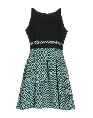 Короткое платье ALLURE. Цвет: светло-зеленый