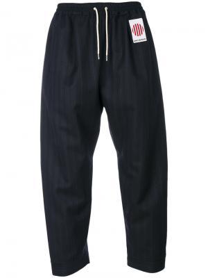 Укороченные брюки в тонкую полоску Umit Benan. Цвет: синий