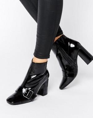 Office Полусапожки на каблуке с ремешком и пряжкой Archie. Цвет: черный