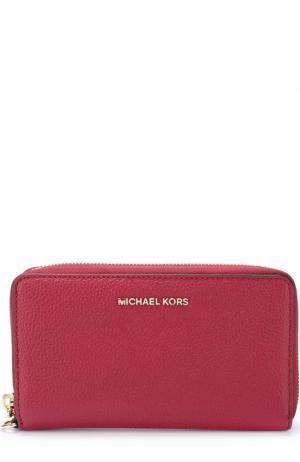 Кожаное портмоне с отделением для смартфона MICHAEL Kors. Цвет: малиновый