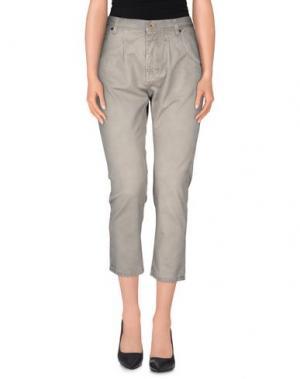 Джинсовые брюки-капри PENCE. Цвет: серый