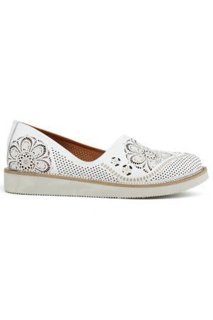Туфли закрытые SpringWay. Цвет: белый
