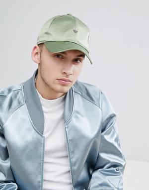 Adidas Originals Зеленая атласная кепка adicolor CE5704. Цвет: зеленый