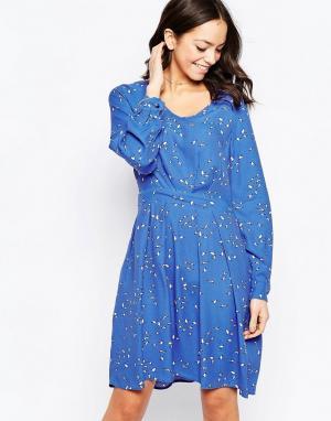 Closet London Короткое приталенное платье с длинными рукавами и птичьим принтом Clos. Цвет: синий