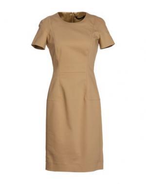 Короткое платье THE ROW. Цвет: верблюжий