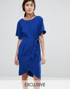 Closet London Платье с рукавами‑кимоно и поясом. Цвет: синий