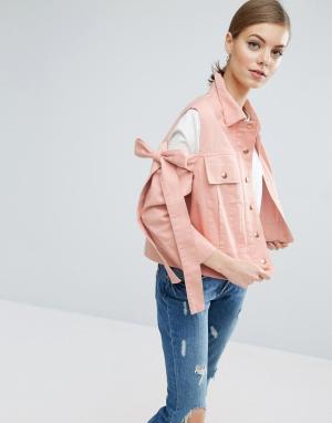 ASOS Куртка с вырезами на плечах и бантами. Цвет: розовый
